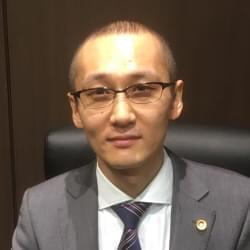 アソシエイト弁護士 小師 健志