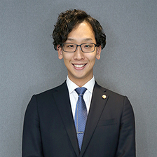 アソシエント弁護士 伊藤 拓斗